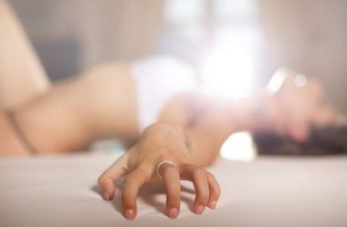 Como a mulher consegue atingir ao orgasmo?